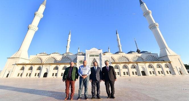 Diyanet İşleri Başkanı Erbaş, Çamlıca Camii'yi ziyaret etti
