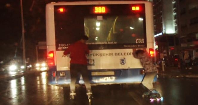Patenci gençlerden Ankara trafiğinde güvenli olmayan oyun