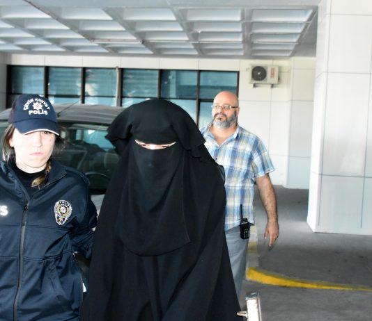 Atatürk'e hakaretten tutuklanan Emine Şahin serbest