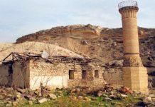(Özel Haber) Harabe durumda bulunan tarihi cami kurtarılmayı bekliyor